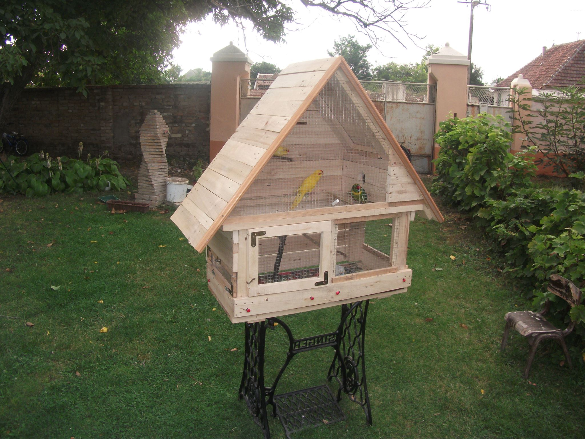 DIY Cute Birdhouse made from Wood Pallets | EASY DIY and CRAFTS