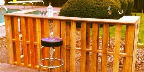 DIY Light Wooden Pallet Bar